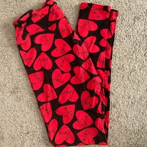 Lularoe Valentine's Day leggings